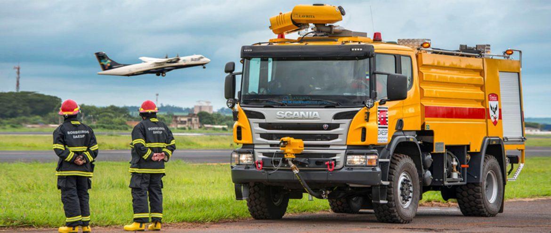 Caminhão de Combate a Incêndios em Aeronaves de Aeroportos