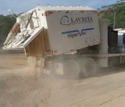 Caminhão Hipervac Descarga de Material